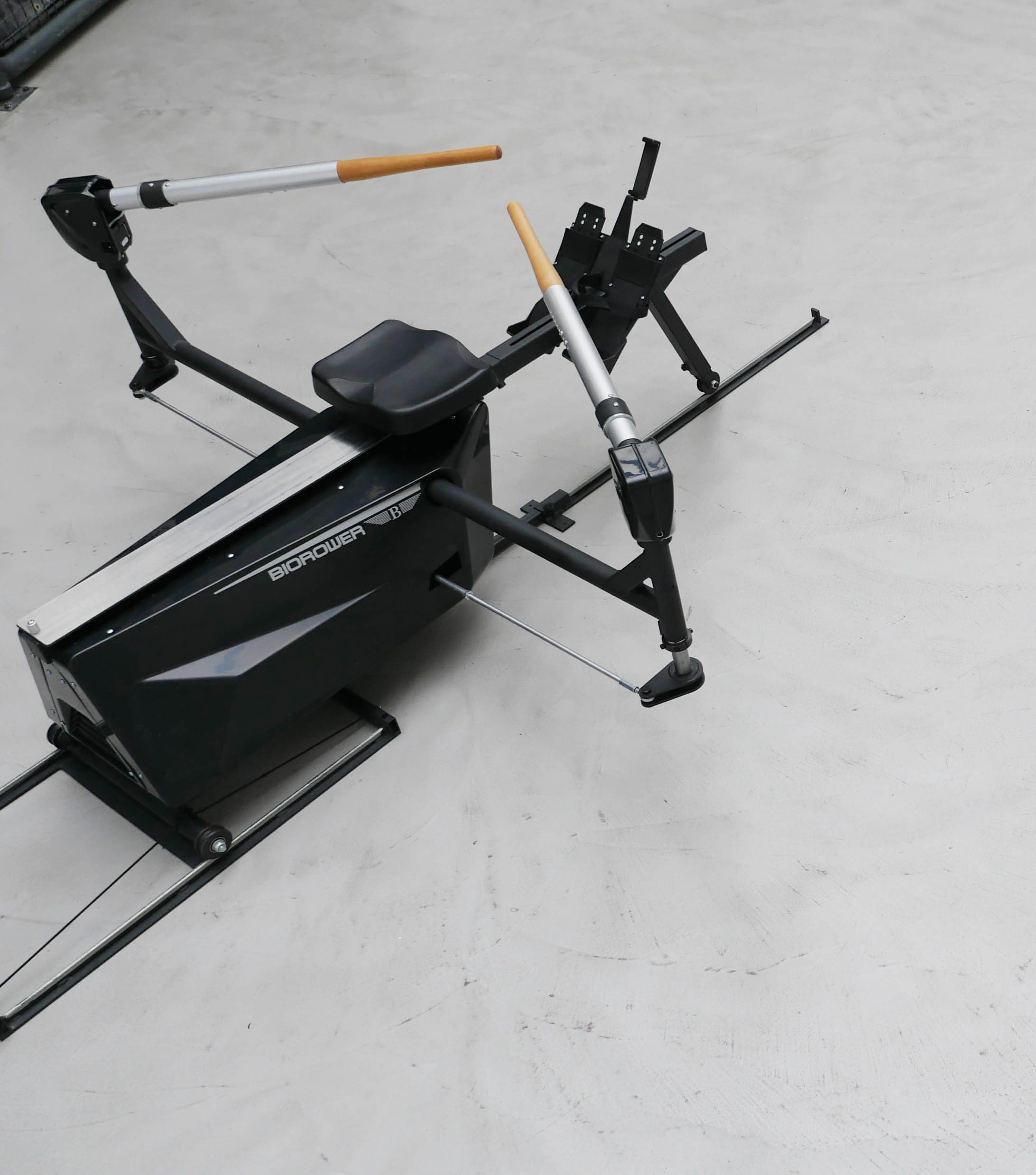 The Biorower S1club is the most realistic indoor sculling experience